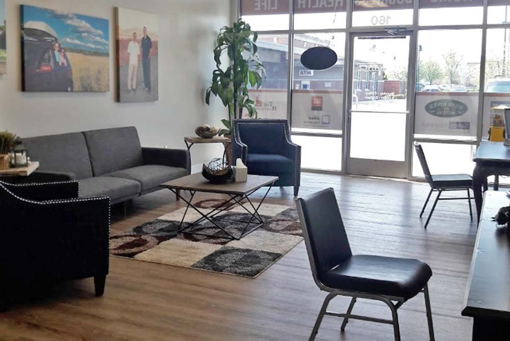 Sitting area with chairs and coffee table