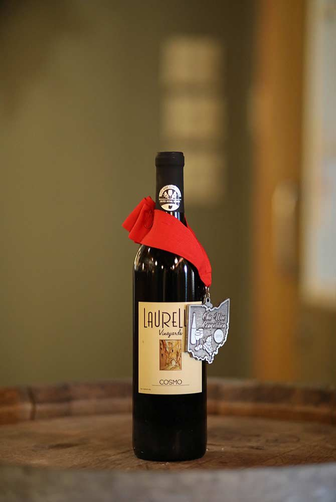 Laurello Cosmo Wine Bottle with medal
