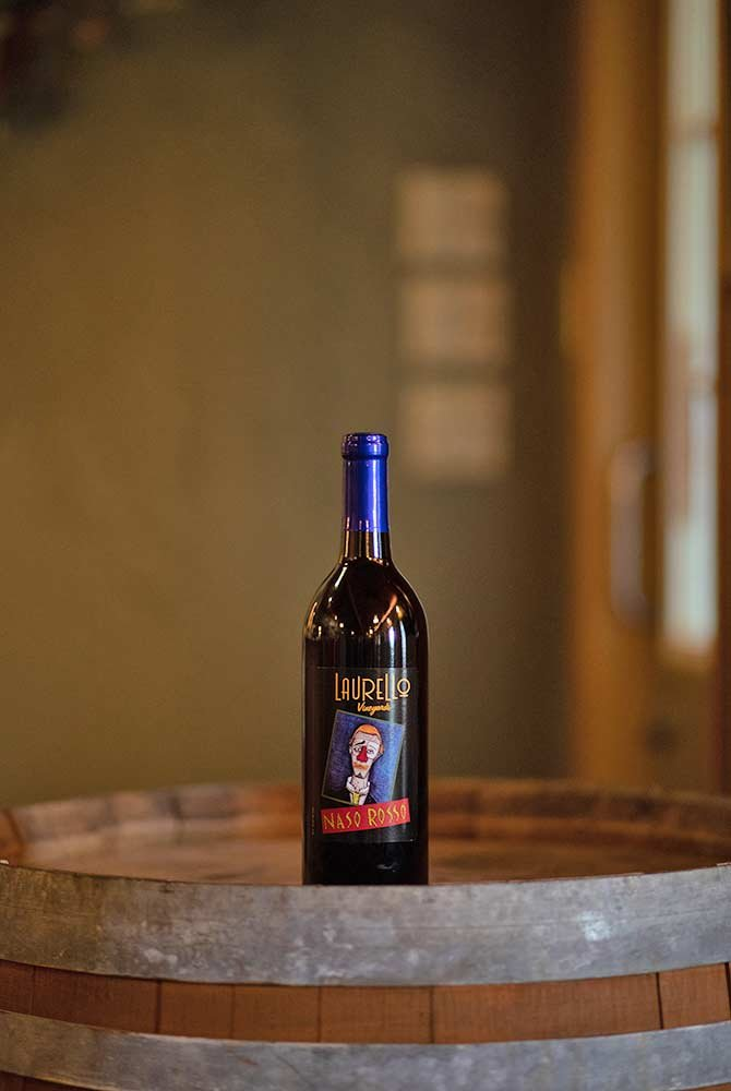 Laurello Naso Rosso wine bottle