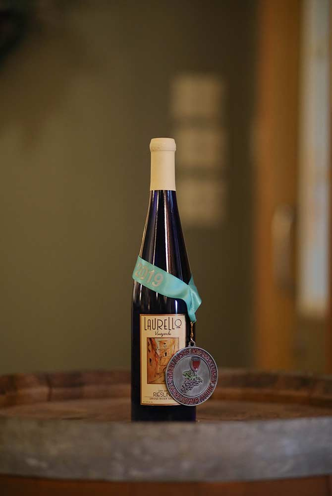 Laurello Riesling wine bottle with medal