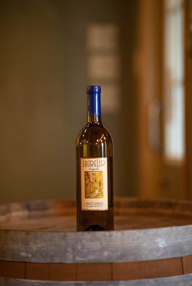 Laurello Pinot Grigo Wine Bottle