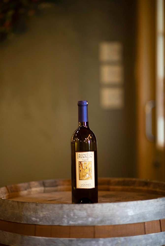 Laurello Viognier wine bottle