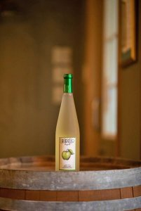 Laurello Resling Wine Bottle