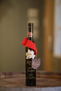 Laurello Vidal Blanc Ice Wine Bottle with medal