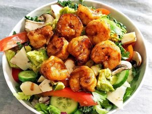 Grilled Shrimp on Bed of Greens
