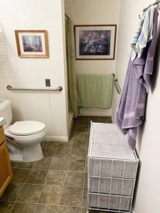 cozy bathroom with towels